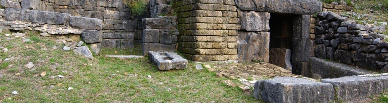Roccagloriosa scavi archeologici necropoli